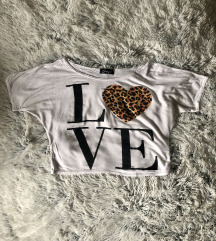 Love feliratú crop top