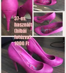 Magenta magassarkú cipő