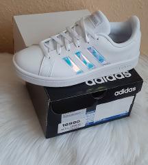 ÚJ - Eredeti Adidas holographic sneaker
