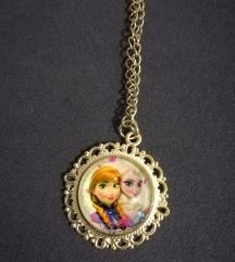 Jégvarázs, Anna és Elsa ezüst színű nyaklánc