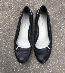 Fekete ünneplő cipő