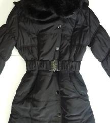 Fekete szőrmegalléros téli kabát M méret