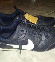 Sport cipő 38-as