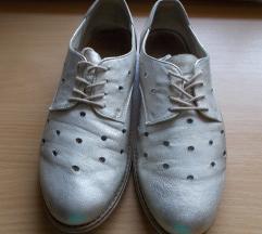 Lasocki bőr, ezüst fényű női félcipő 38