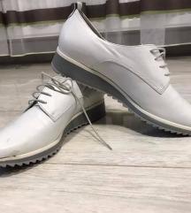 Högl fehér cipő