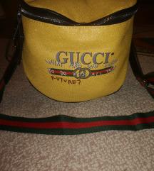 Új Gucci táska