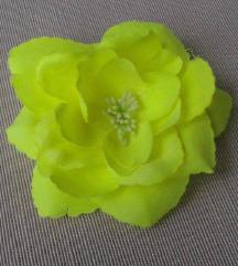 Neon sárga virág kitűző