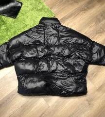 Bershka puffy fekete női kabát