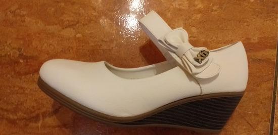 kényelmes női  telitalpú cipő