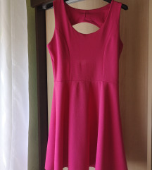 Hátán masnis pink ruha