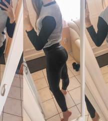 Szürke-fekete pulcsi