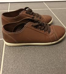 Barna műbőr uniszex tornacipő 39