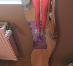 Új, csinos, piros nadrág
