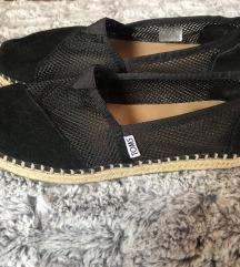 Toms cipő