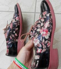 Virágos elegáns cipő