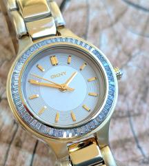 DKNY arany színű női óra karóra új kis méret