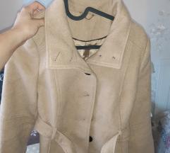 Bézs színű kabát