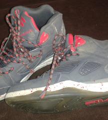 37-es eredeti Fila cipő