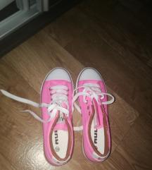 Új Pink 39es tornacipő