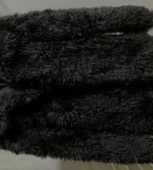 Fekete szőrme kabát