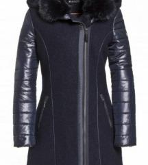 Beaumont női 38-as fekete szövet kapucnis kabát