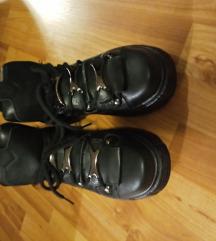 Platform cipő