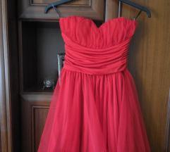 Kikiriki piros ruha, menyecskeruha