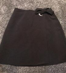 Fekete lapolós A-vonalú szoknya
