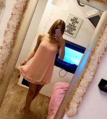 Új címkés rózsaszín ruha