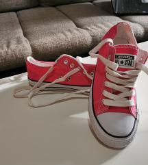 36-os pink rövidszárú Converse tornacipő