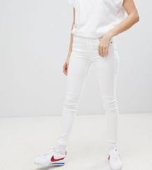p&b fehér skinny farmer
