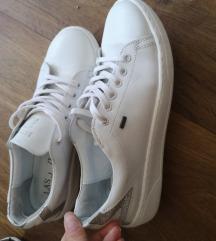 LASOCKI Fehér bőrcipő  AKCIÓ!