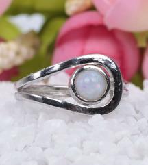Ezüst-opál gyűrű