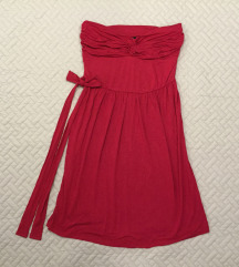 Mellnél csavart piros ruha