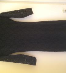Csipkés fekete ruha