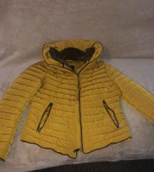Sárga zarás kabát
