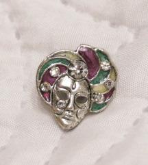 Velencei karnevál pin kövekkel