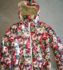 Átmeneti virágos tavaszi kabát