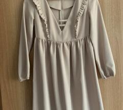 Csinos barackszínű ruha