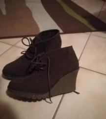Magas talpú cipő