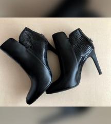 CARINII valódi bőr fekete bokacipő