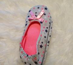 Új Otthoni topánka