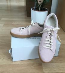 Teljesen új, Vagabond cipő