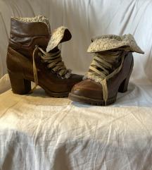 Vintage fűzős, bélelt téli női bakancs