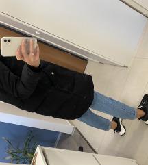 Meleg fekete kabát