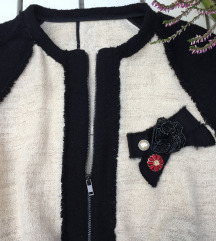 Különleges hímzett kabátka