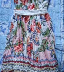 Nyári térdig érő virág mintás ruha
