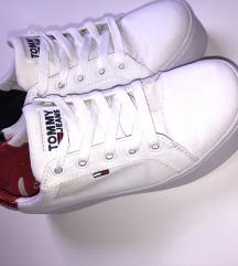 Tommy Hilfiger platform cipő
