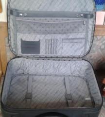 Lelakatolható Voyage nagy fekete kézi bőrönd