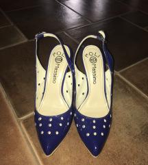 eladó cipő